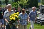 005 Uctění památky fotbalistů na místním hřbitově.