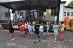 081 Předávání cen dětem za namalované obrázky. Výstava probíhala ve Zděné po celou dobu oslav.