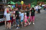 086 Předávání cen dětem za namalované obrázky. Výstava probíhala ve Zděné po celou dobu oslav.